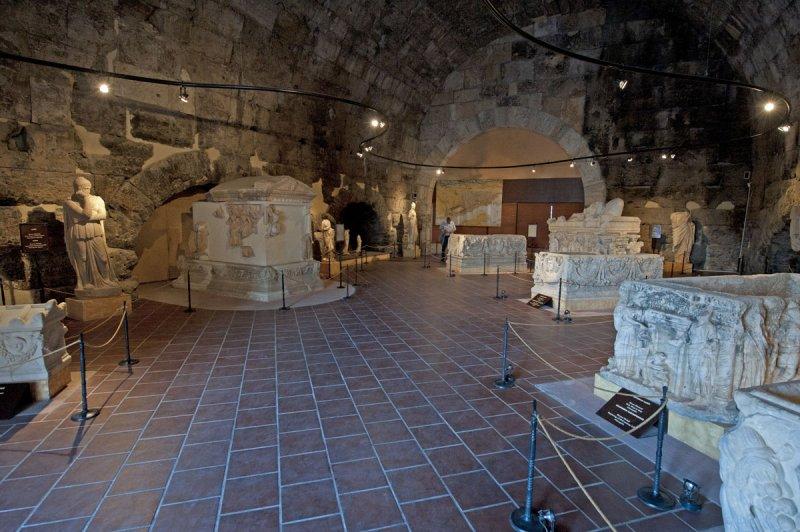 Hierapolis March 2011 4277.jpg