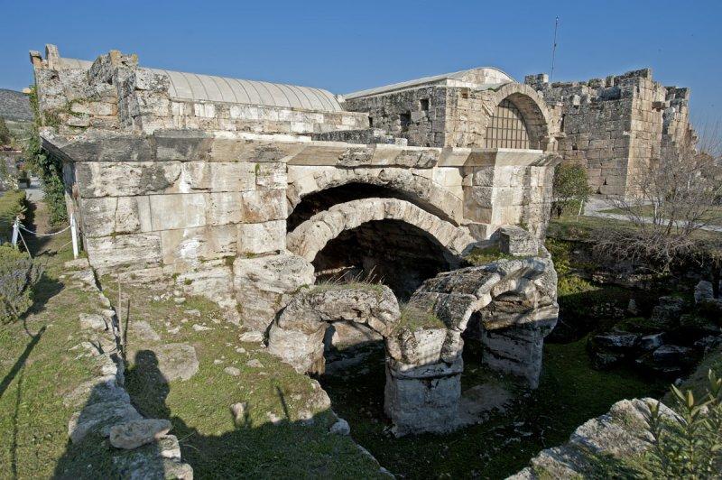 Hierapolis March 2011 4279.jpg