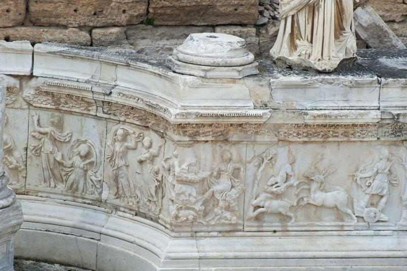 Hierapolis March 2011 4935.jpg