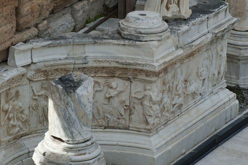 Hierapolis March 2011 4938.jpg