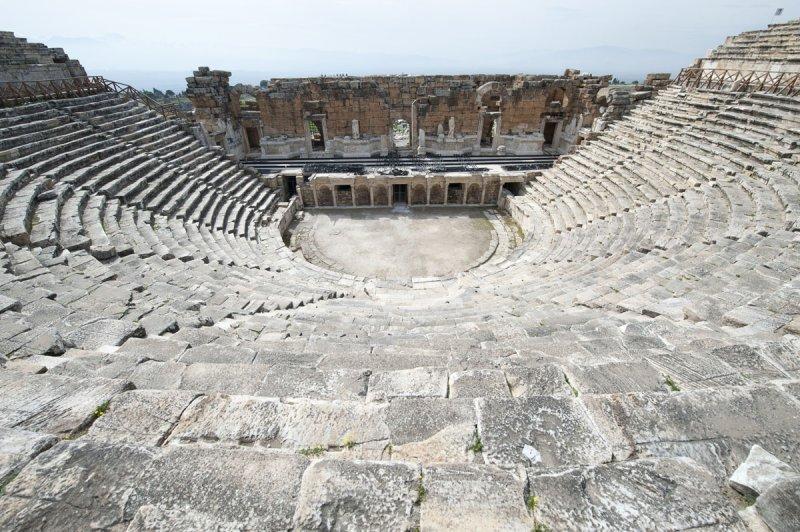 Hierapolis March 2011 4947.jpg