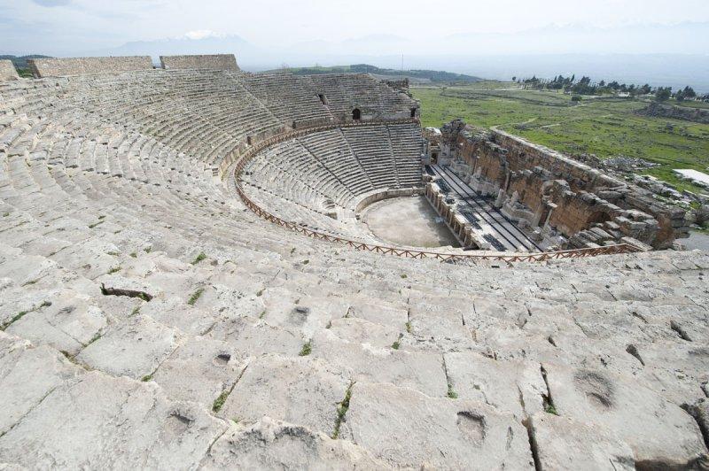 Hierapolis March 2011 4950.jpg