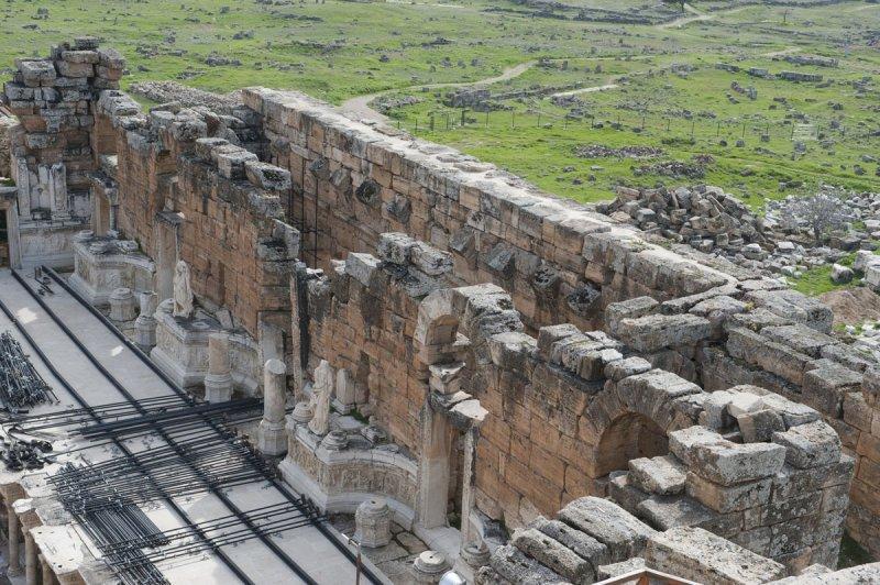 Hierapolis March 2011 4951.jpg