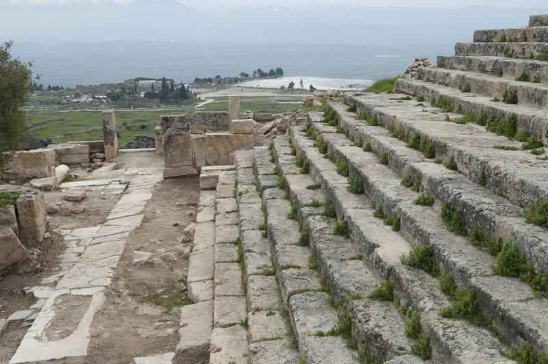 Hierapolis March 2011 4959.jpg
