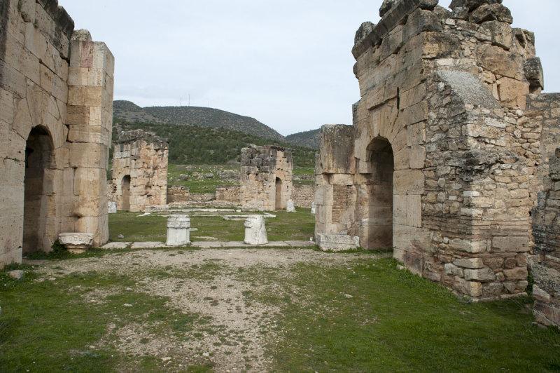 Hierapolis March 2011 4963.jpg