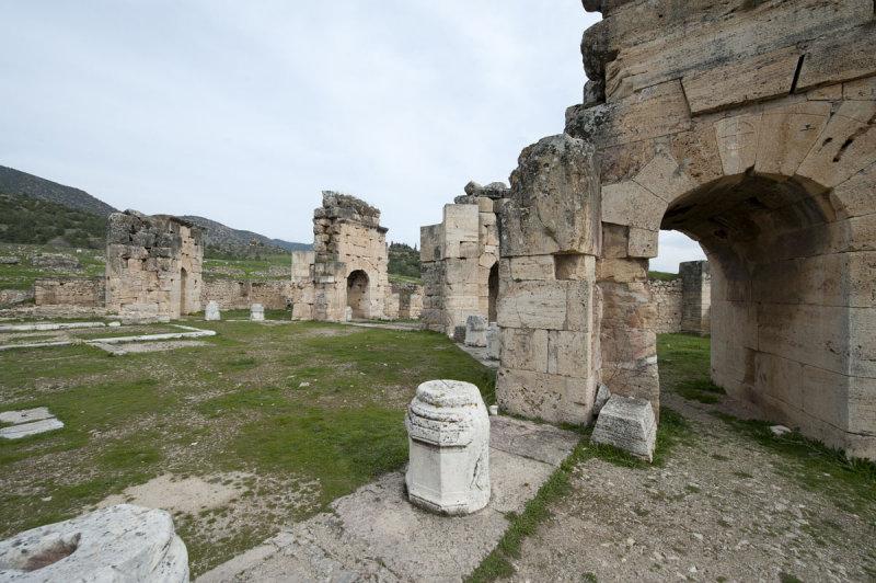 Hierapolis March 2011 4964.jpg