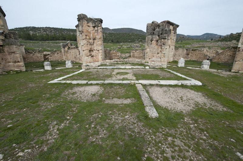 Hierapolis March 2011 4965.jpg