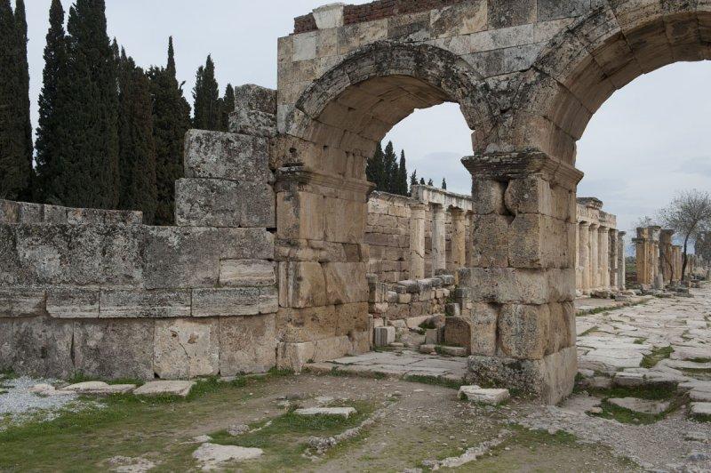 Hierapolis March 2011 4998.jpg