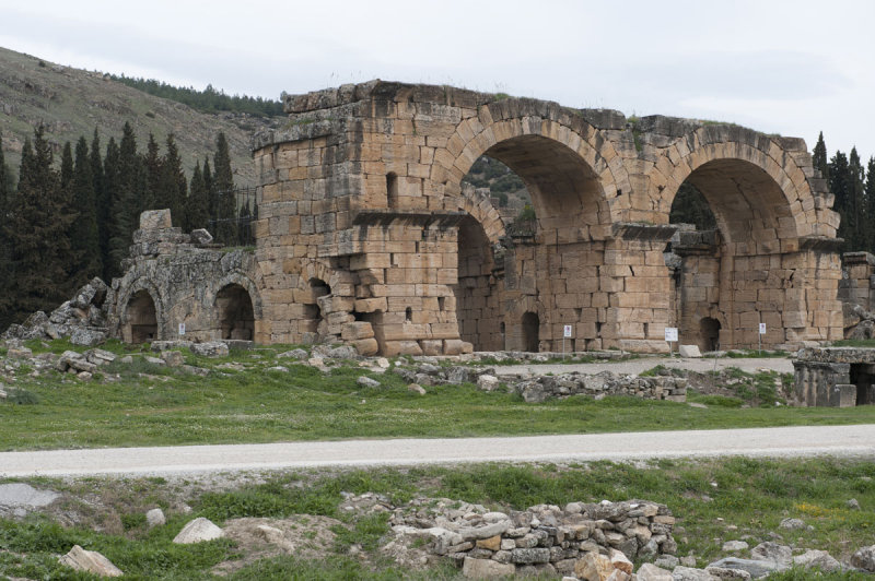 Hierapolis March 2011 5033.jpg