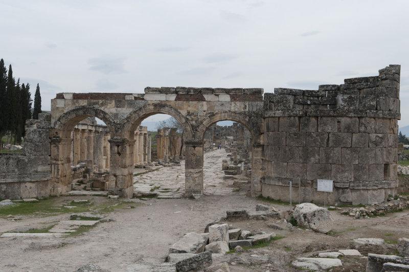 Hierapolis March 2011 5035.jpg