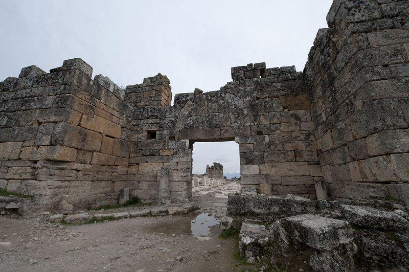 Hierapolis March 2011 5050.jpg