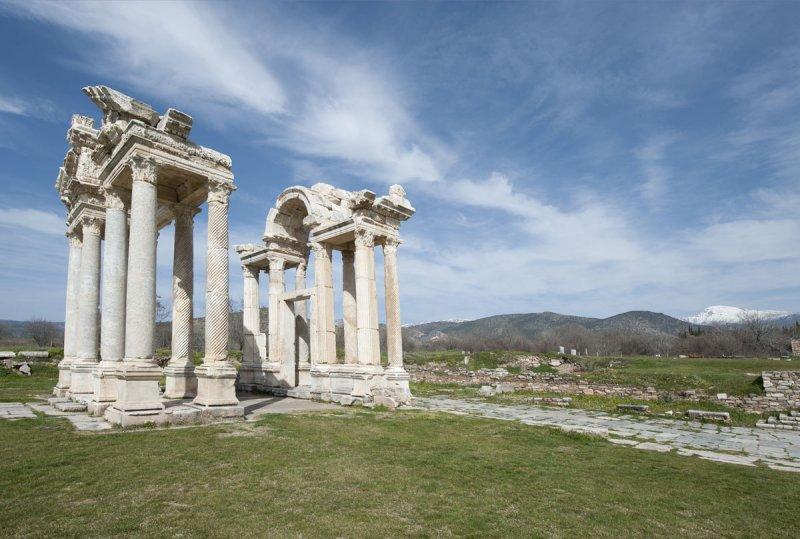 Aphrodisias March 2011 4620.jpg