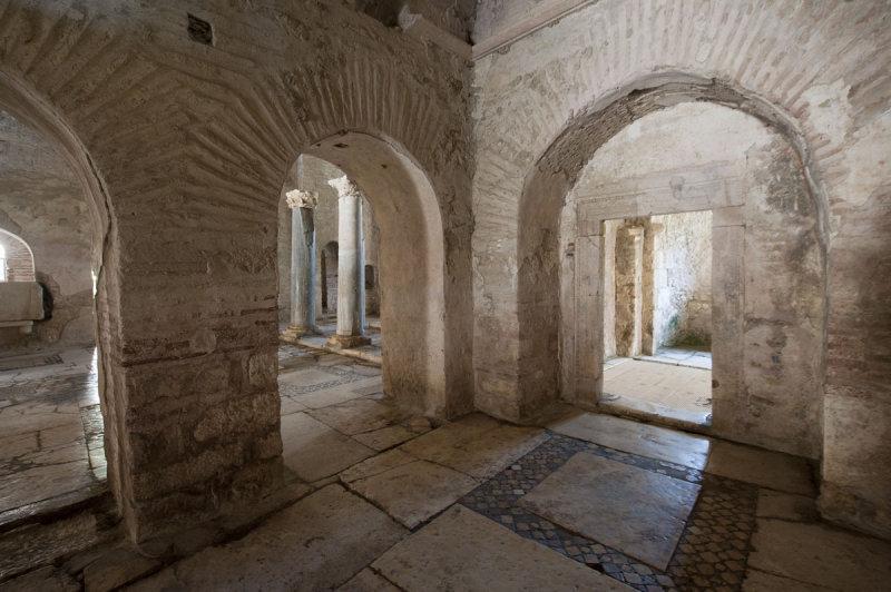 Myra Saint Nicolas church March 2011 5821.jpg