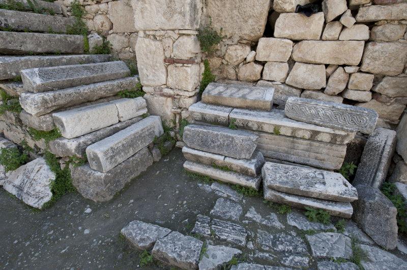 Myra Saint Nicolas church March 2011 5893.jpg