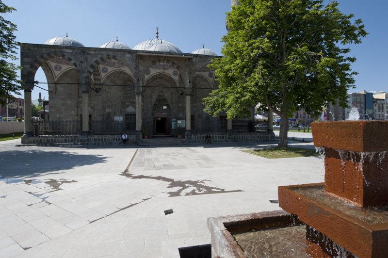 Erzurum june 2011 8556.jpg