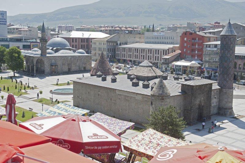 Erzurum june 2011 8571.jpg