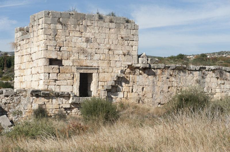 Kizkalesi and Ayas December 2011 1181.jpg