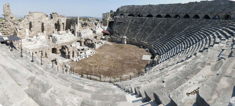Side march 2012 theatre panorama.jpg