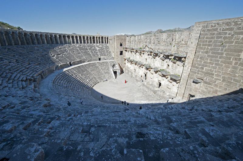 Aspendos march 2012 4766.jpg