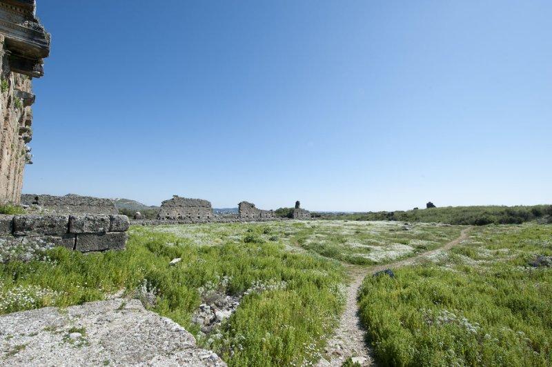 Aspendos march 2012 4698.jpg