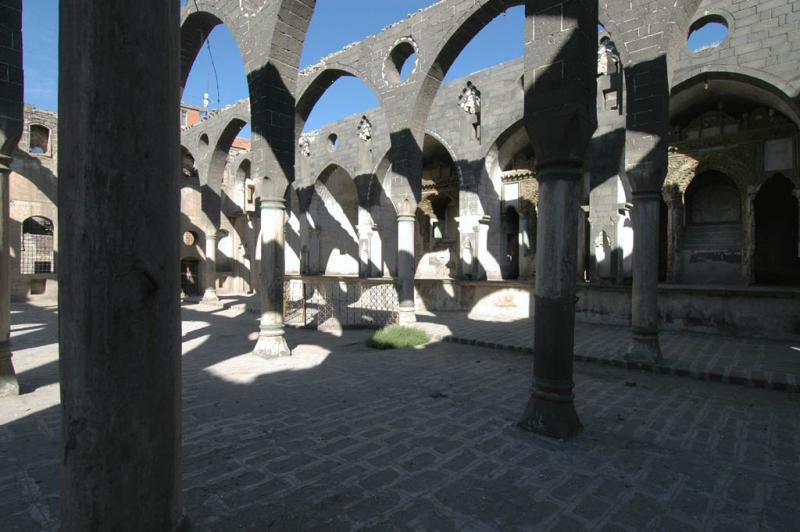 Diyarbakir Armenian church 2831