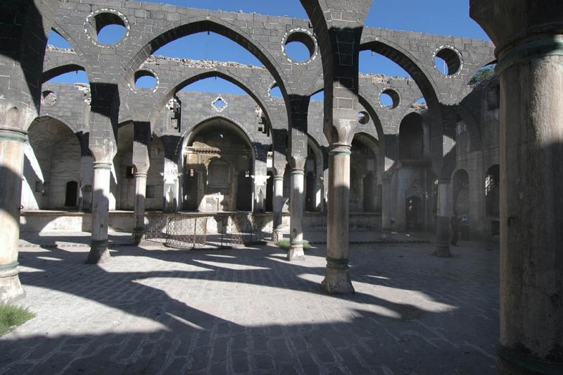 Diyarbakir Armenian church 2833