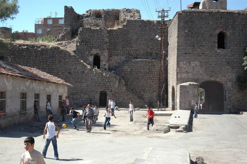 Diyarbakir near Suleyman Mosque 2698