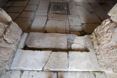 Myra Saint Nicolas church March 2011 5906.jpg