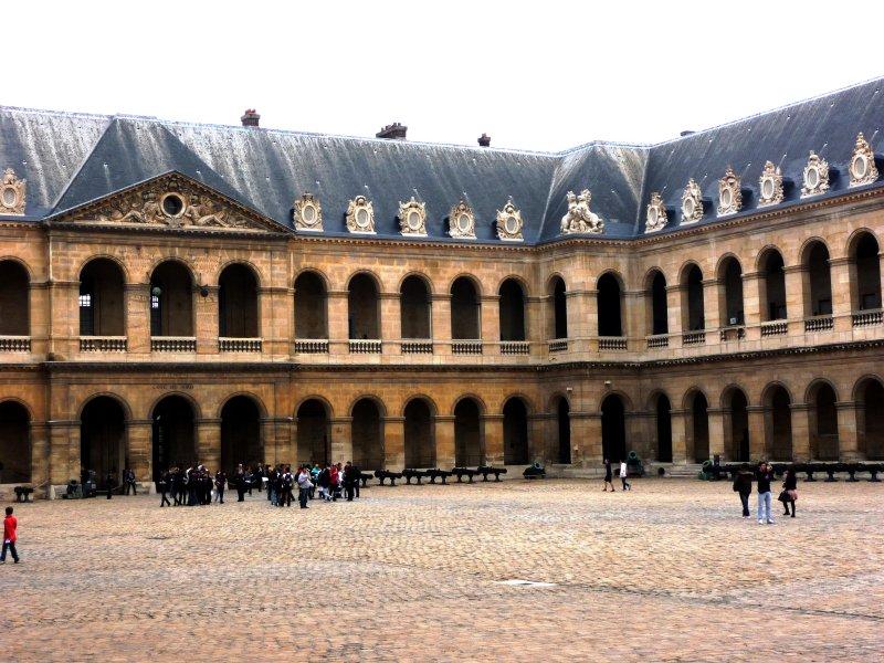 Hotel des Invalides courtyard