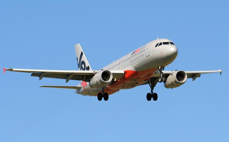VH-JQL - Jetstar A320 - Williamtown 10 May 06