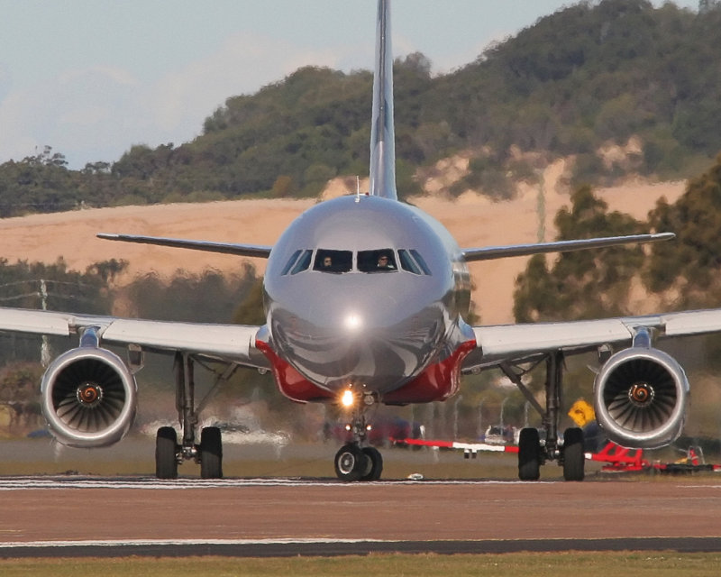 VH-VQT - Airbus A320 - Williamtown 2 Jul 06