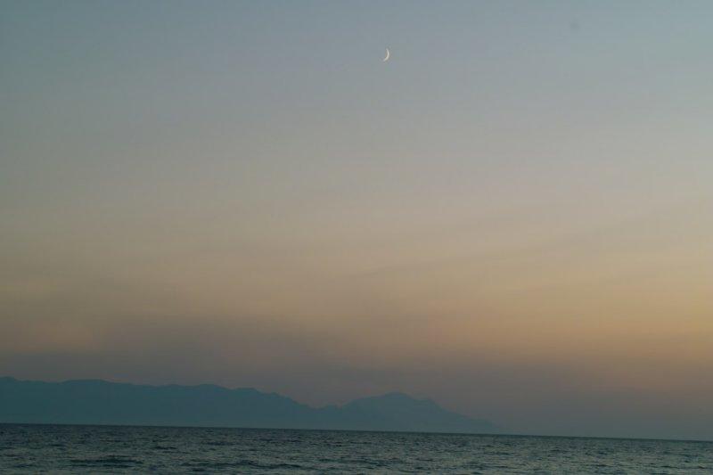 samos_moon.jpg