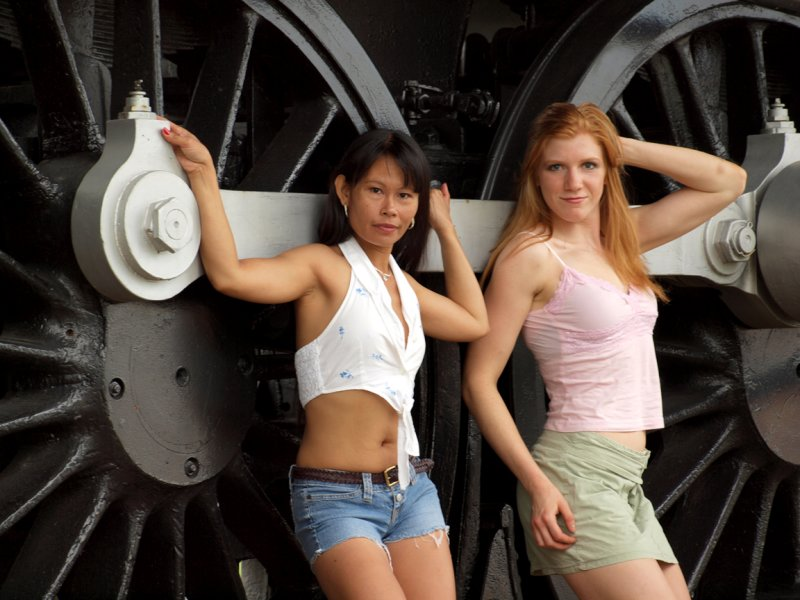 The Girls And Engine 2713