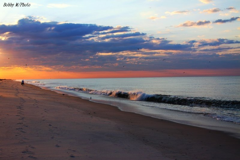 Daybreak upon the beach