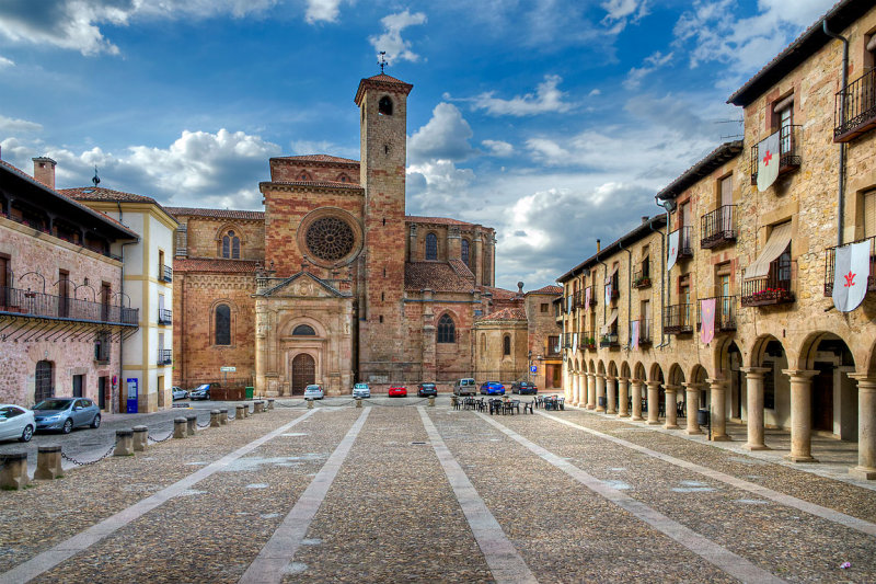 Square and cathedral, Sigüenza