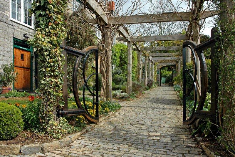 Chalice Well Garden, Glastonbury (3067)