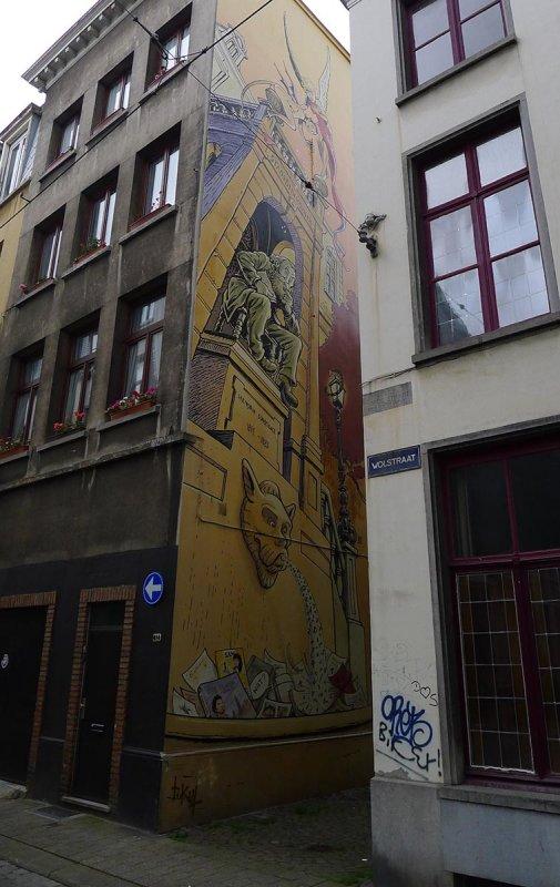 Statue of Hendrik Conscience by Jan Bosschaert, Moriaanstraat     2011-07-29_12-40-41_P1040267a.jpg