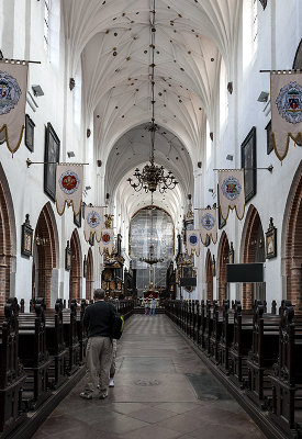 Oliwa Cathedral, nave