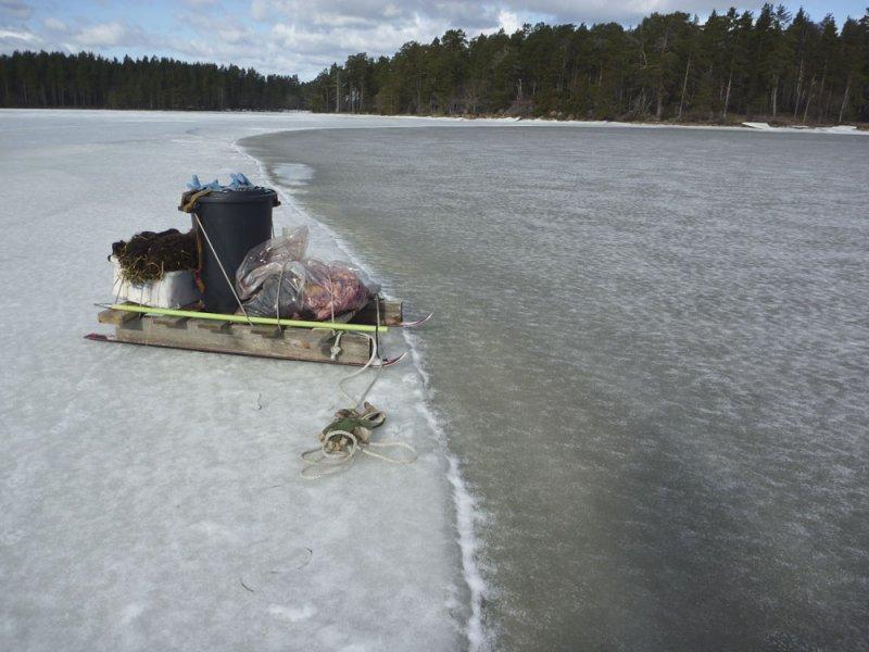 Ny is med tung släde