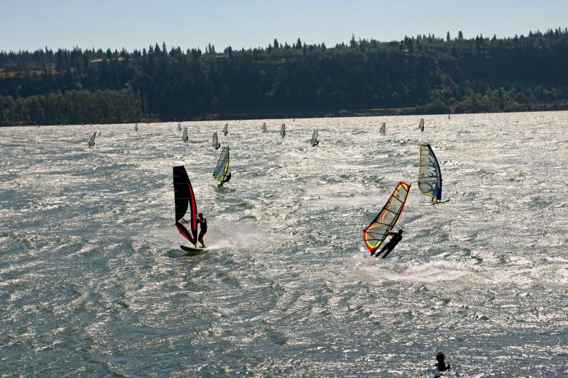 Gorge Wind Surfers