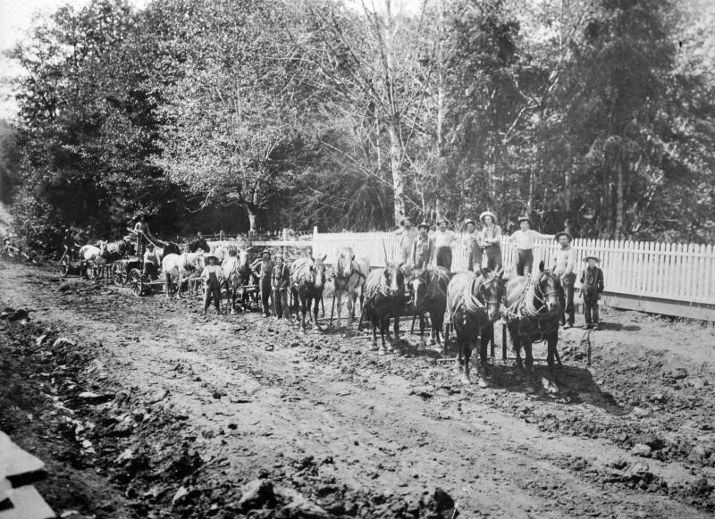 Elmer  Dodge building PeEll Highway 1909