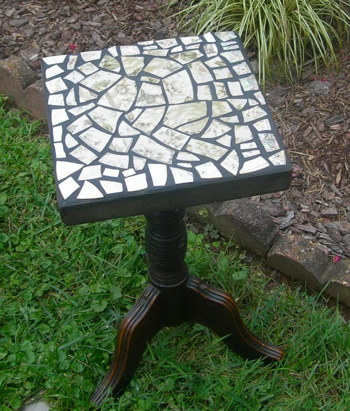 old piano bench - now table
