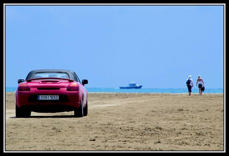 Turistas en la playa  -  Tourist on the beach