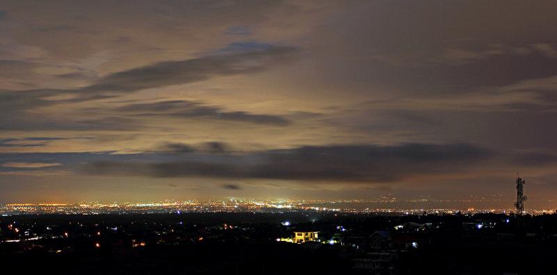 Manila Lights from Tagaytay.jpg