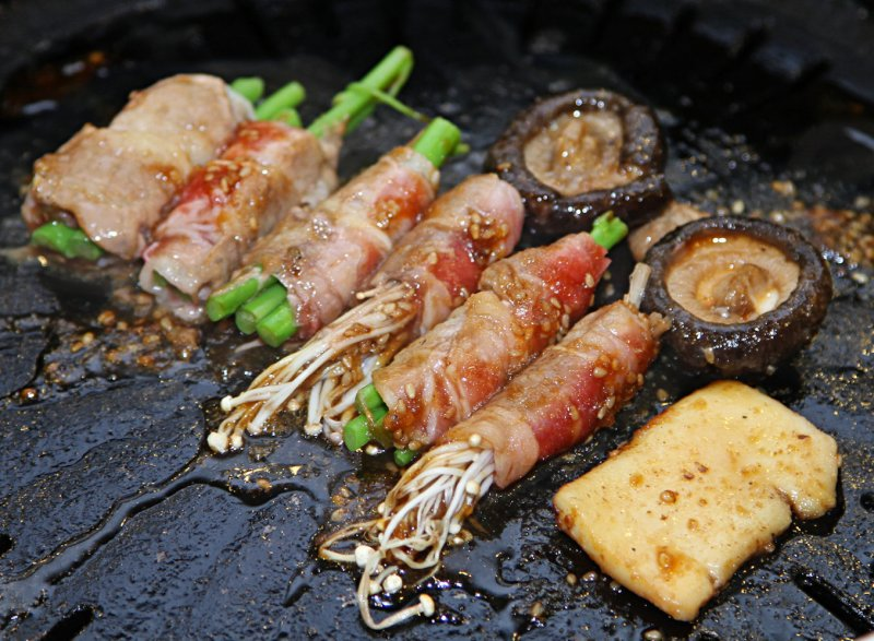 Grilled Bacon with Asparagus.jpg