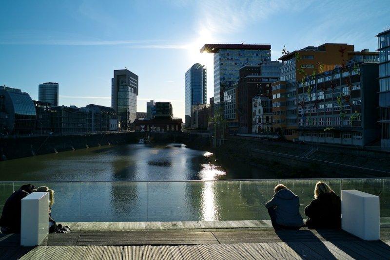 Dusseldorf: Waterfront