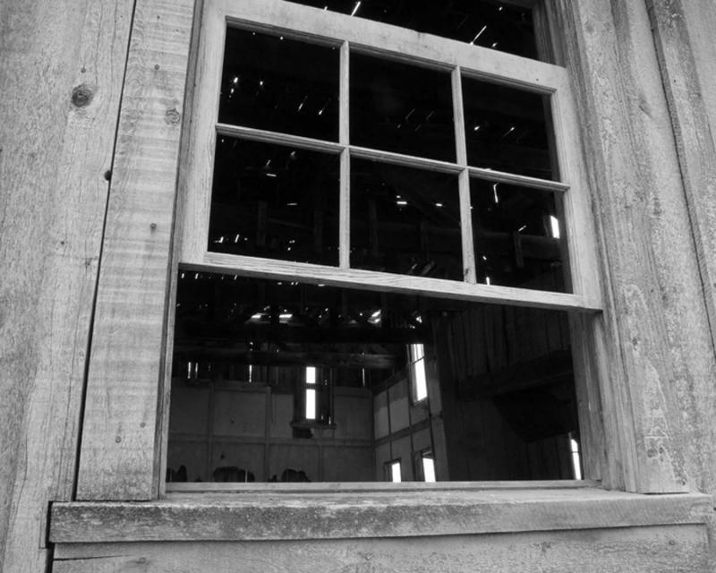 peeking inside the longbranch saloon.jpg