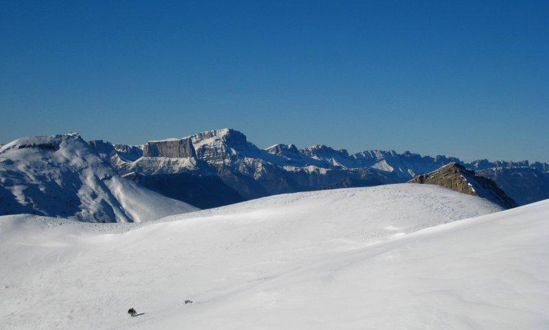 Mont Aiguille et chaîne des sommets du Vercors, vus depuis Jagêne, 1er janvier 2008