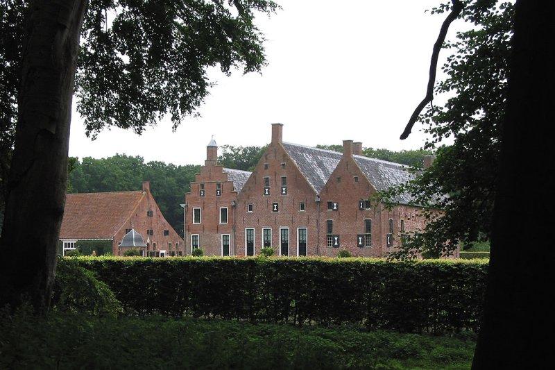 Uithuizen - Menkemaborg