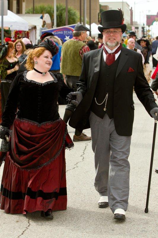 Dickens_2011_049219.jpg